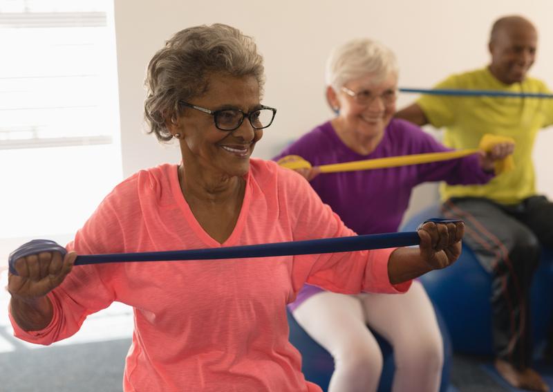 Seniors exercising to help prevent Alzheimer's symptoms